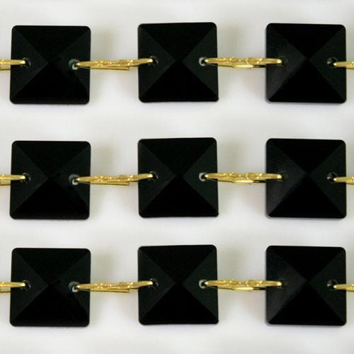 Catena quadrucci cristallo 22 mm - lunghezza 50 cm. Colore nero - clip ottone.