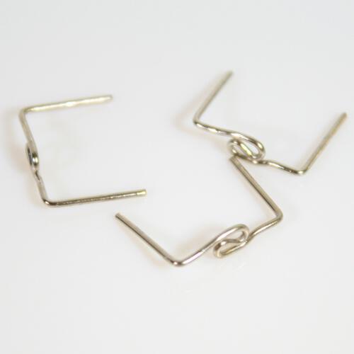 Clip 14 mm disegno snake finitura nickel per agganci cristalli.