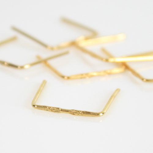 Clip 14 mm disegno stella finitura oro per agganci cristalli da lampadario.