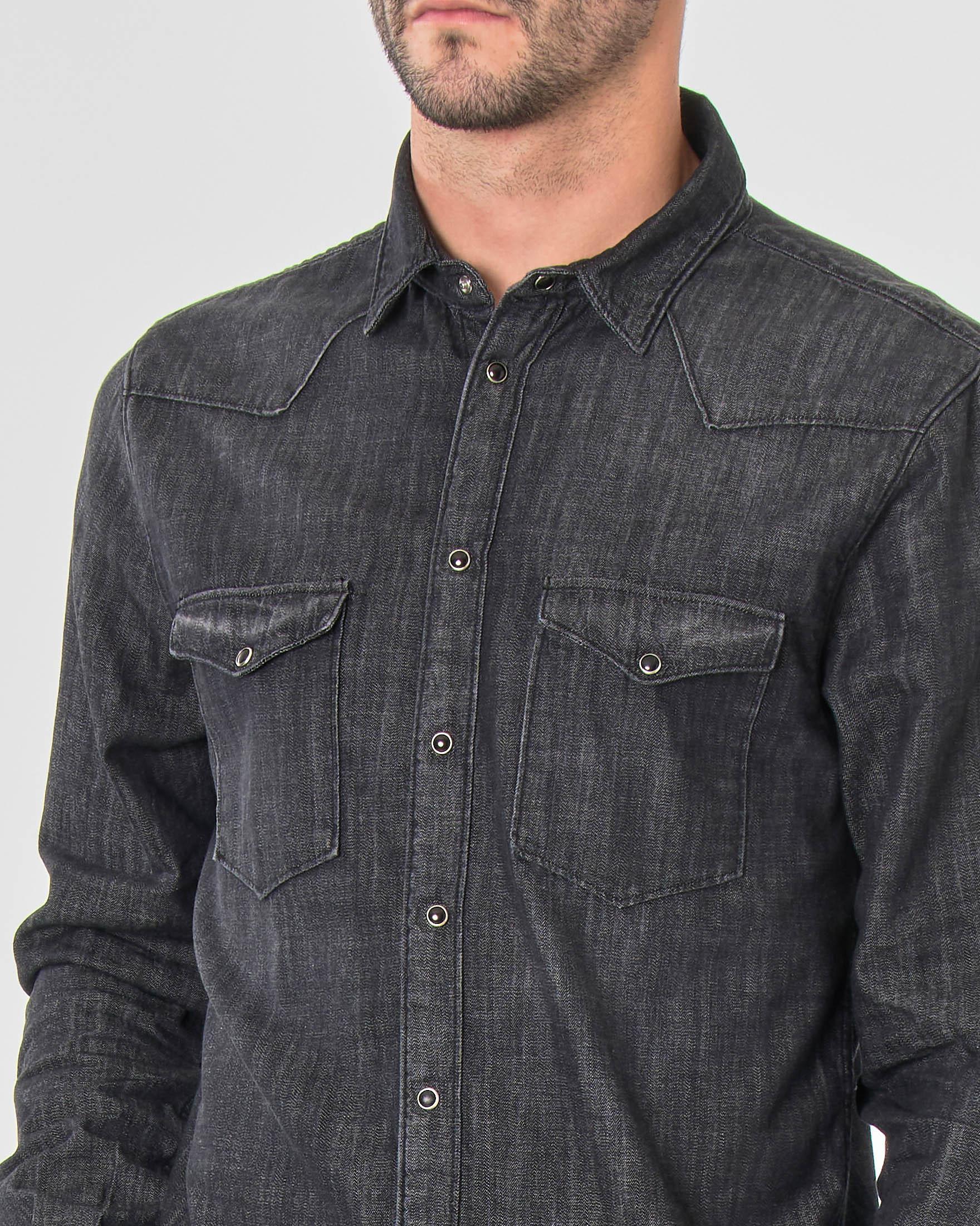 Camicia in denim nero stone washed modello western