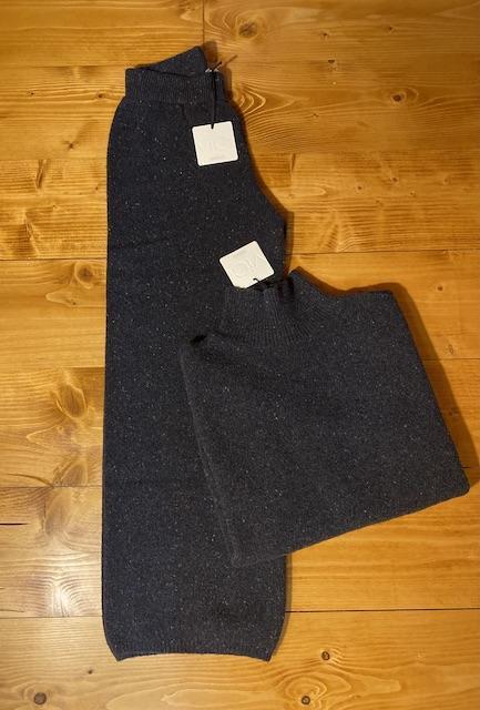 Completo in maglia con pantalone ampio e pull dolcevita  Vicolo