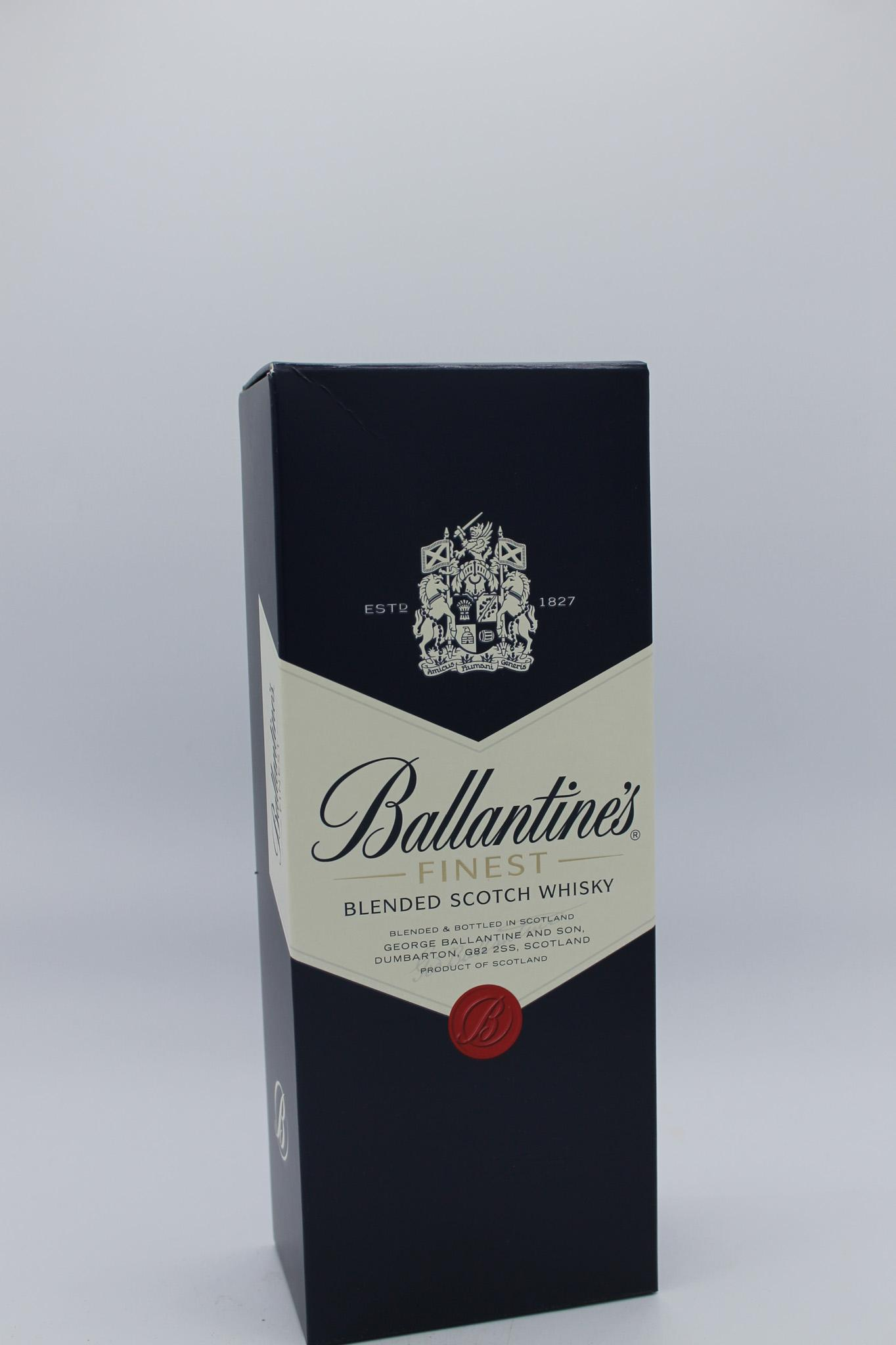 Ballantine's whisky astucciato 700ml.