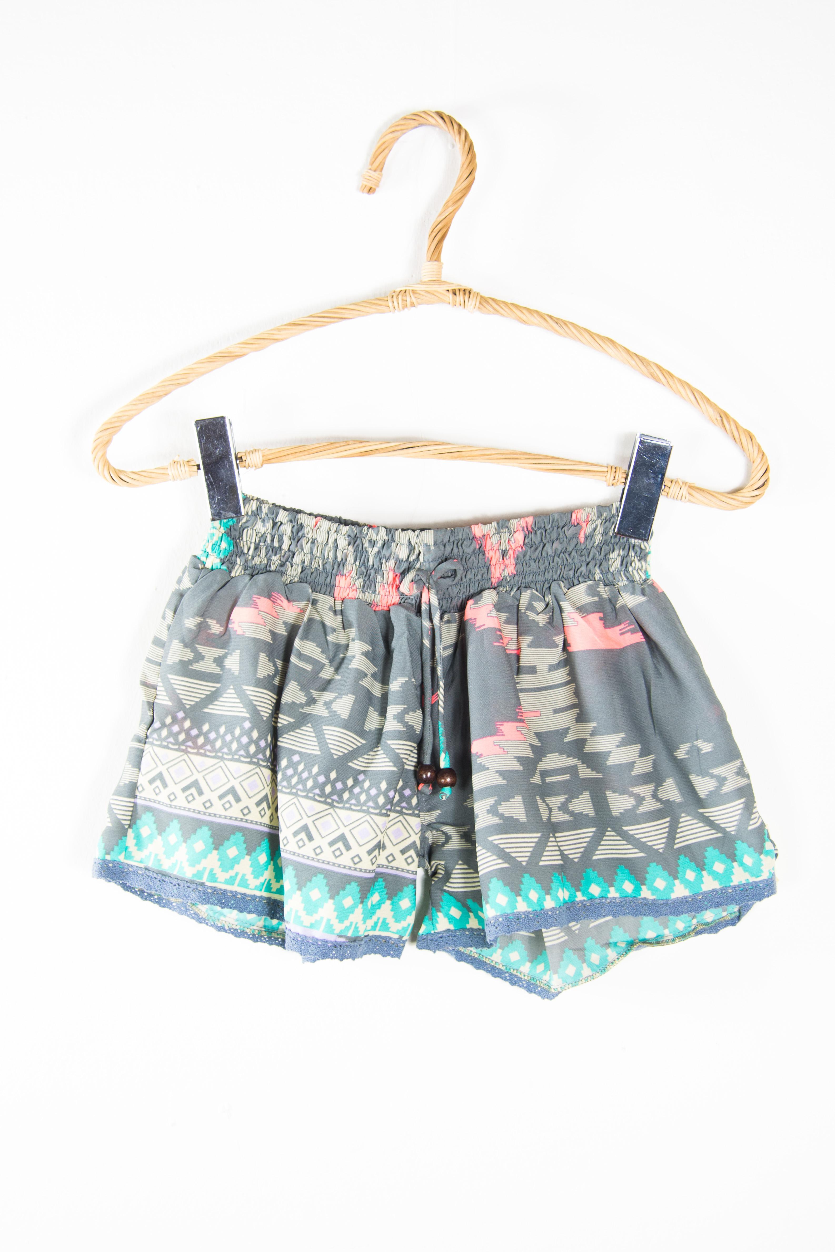 Women's short trousers | Extra short pants