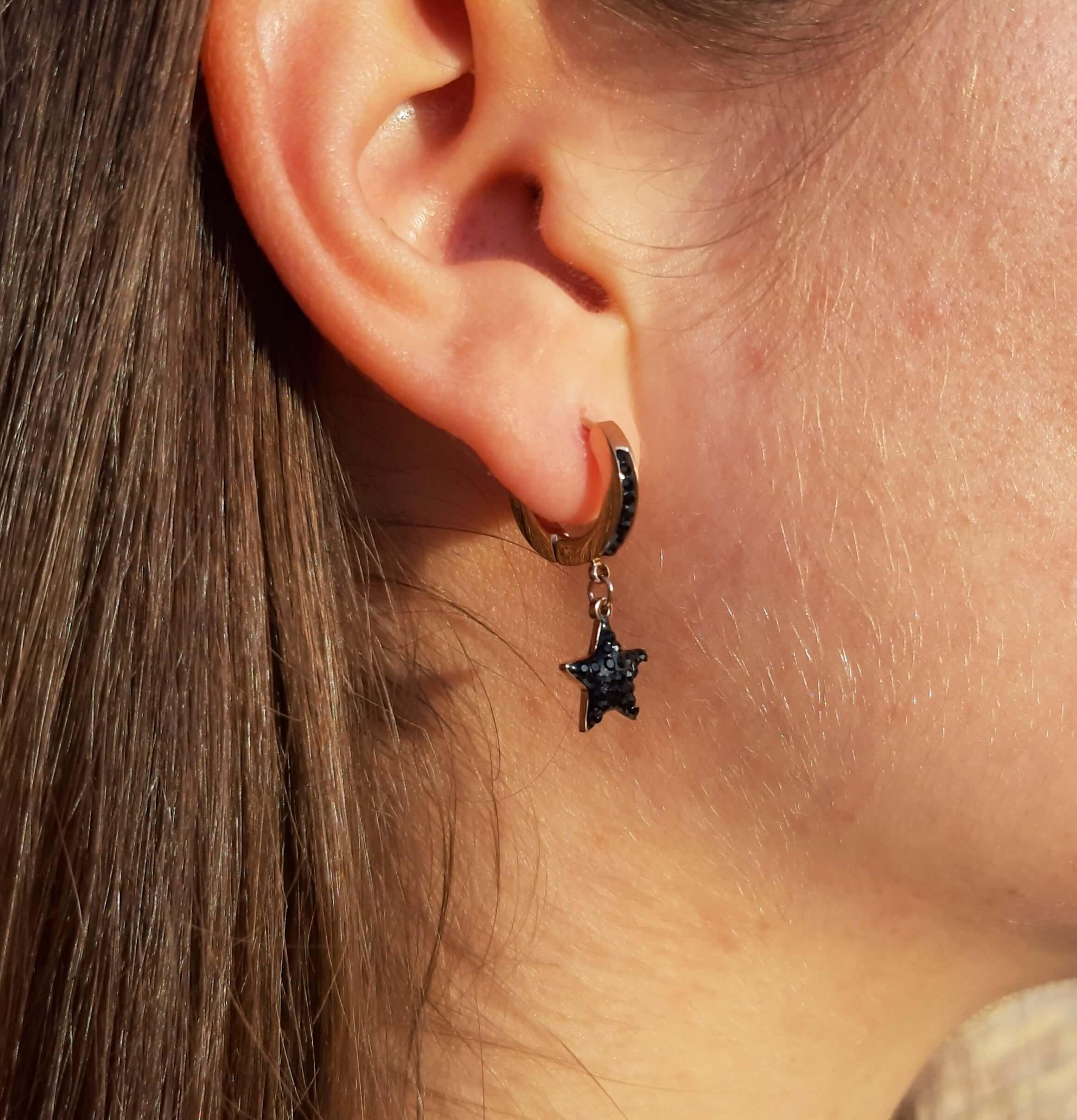 Mono orecchino con stella Rush