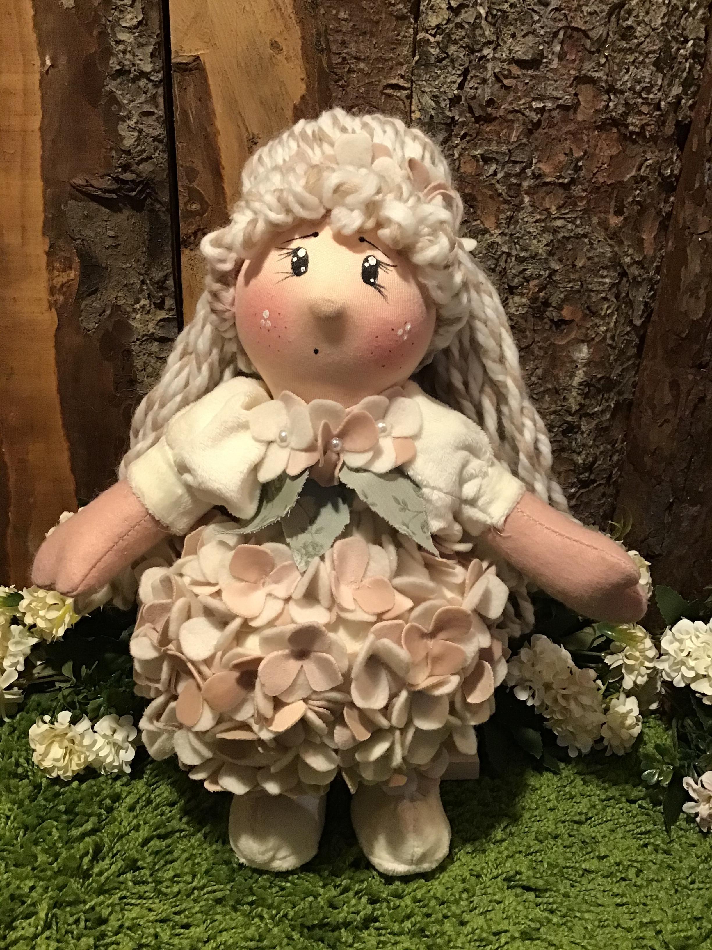 Cartamodello bambolina Ortensia