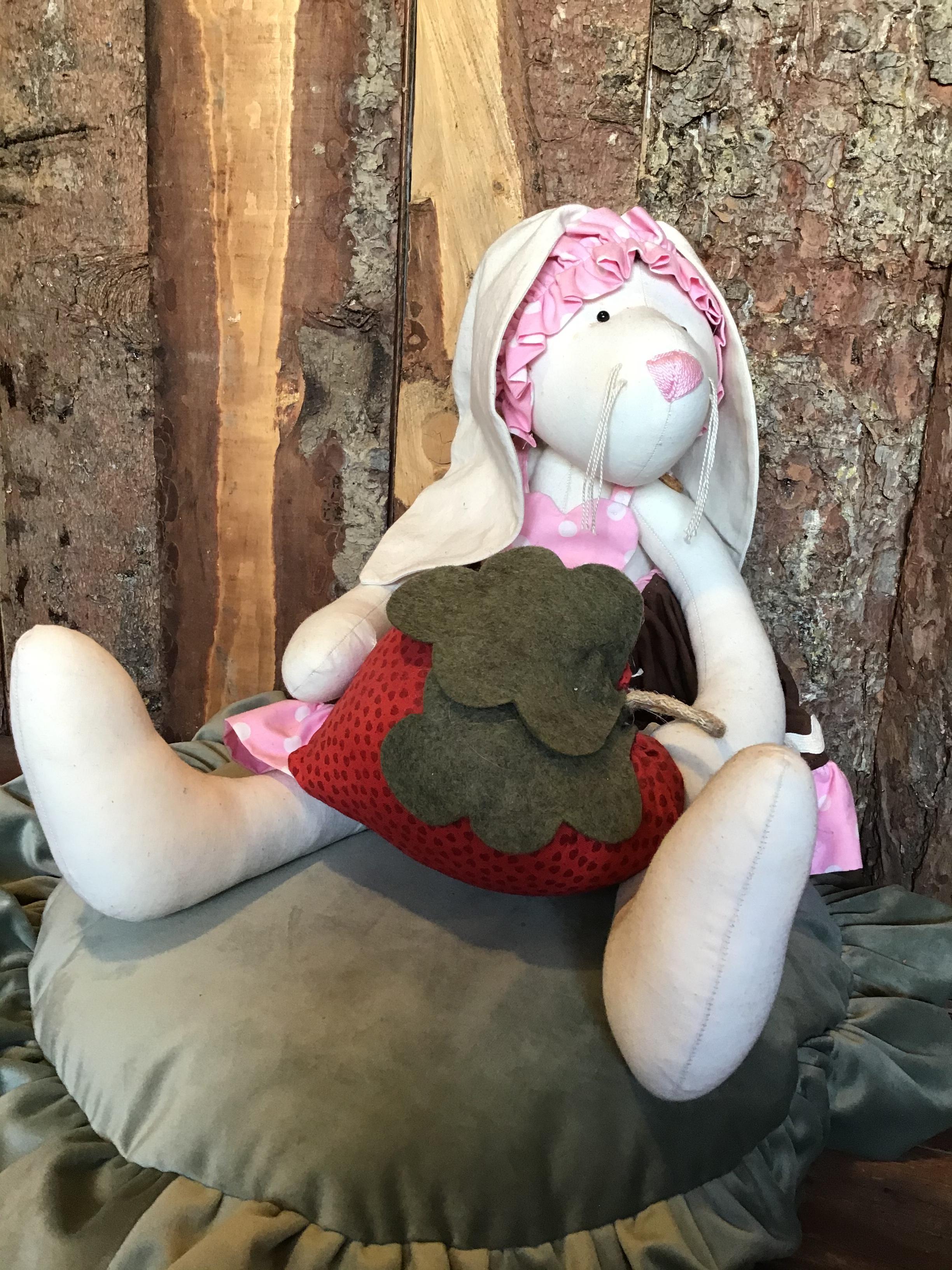 Cartamodello coniglietta con fragolina