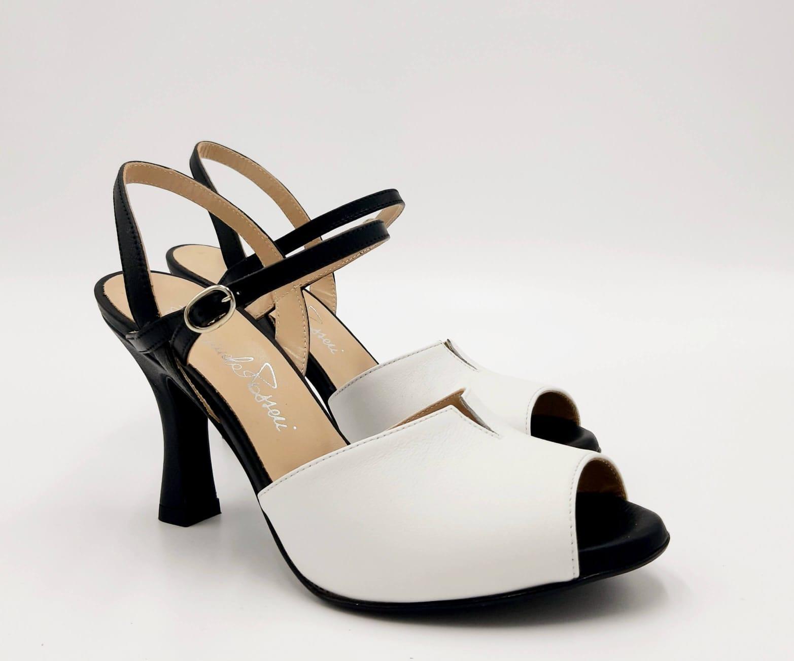 Sandalo bianco e nero tacco a rocchetto Passeri
