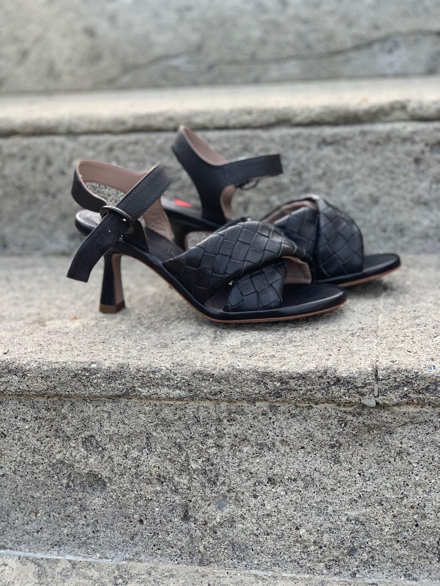 Sandalo intreccio nero Le Petit Maison.