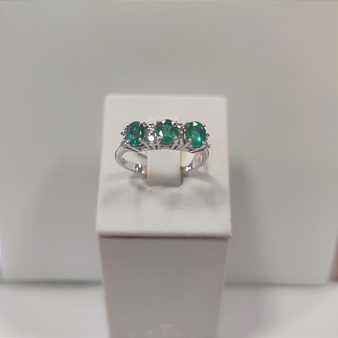 Anello smeraldo diamanti