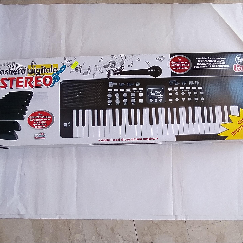 Tastiera digitale stereo con microfono