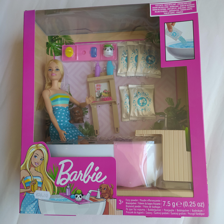 Barbie con vasca da bagno