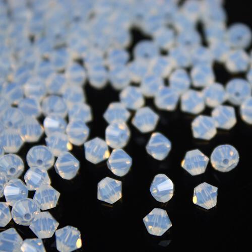Perla bicono White Opal 4 mm cristallo Swarovski 5328 bead