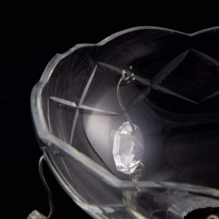 Bobeche in cristallo Boemia con pendenti a mandorla Ø9 cm, foro Ø15 mm 5 fori laterali.
