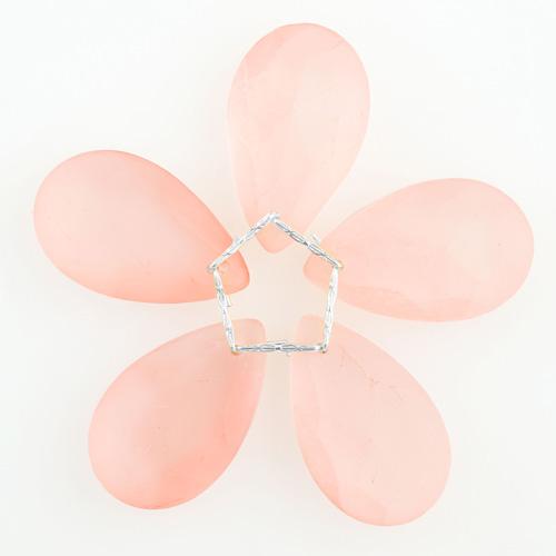 Fiore di cristalli sfaccettati colore rosa satinato Ø80 mm con clip argento