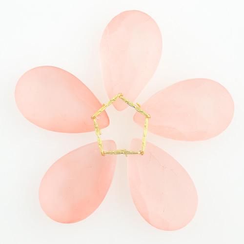 Fiore di cristalli sfaccettati colore rosa satinato Ø80 mm con clip oro, composizione decorativa
