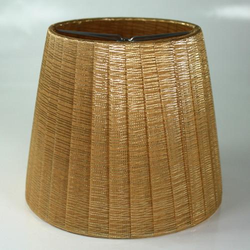 Paralume 14x10x12 cm tronco conico rivestito da organza dorata. Montatura argento attacco a molla.