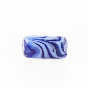 Perla di Murano cilindro Fenicio Ø9x18. Vetro pervinca, lapis e avventurina blu. Foro passante.