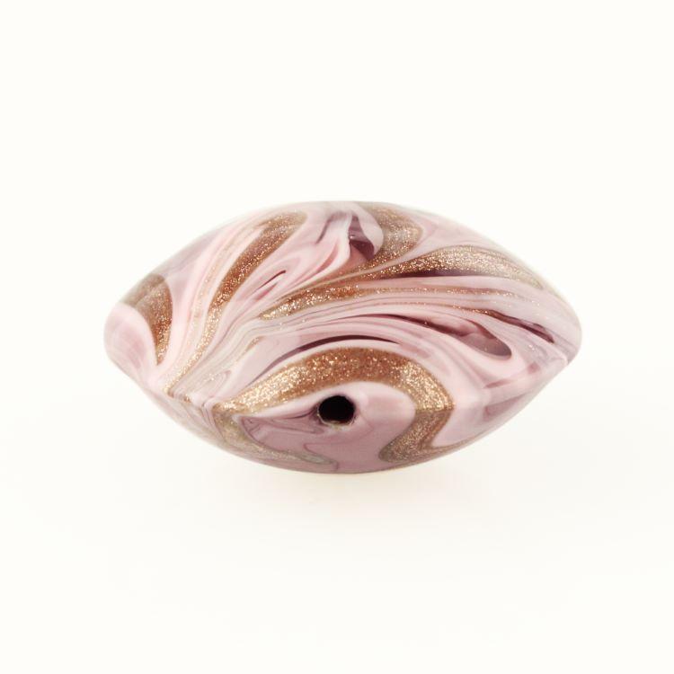 Perla di Murano schissa Fenicio Ø30. Vetro rosa e avventurina. Foro passante.