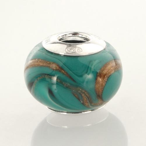Perla di Murano stile Pandora Fenicio Ø13. Vetro verde chiaro, verde acqua, verde scuro e avventurina. Borchia argento 925. Foro passante.