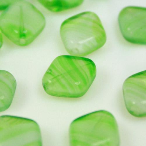 Perla rombo in vetro verde trasparente, 10 mm