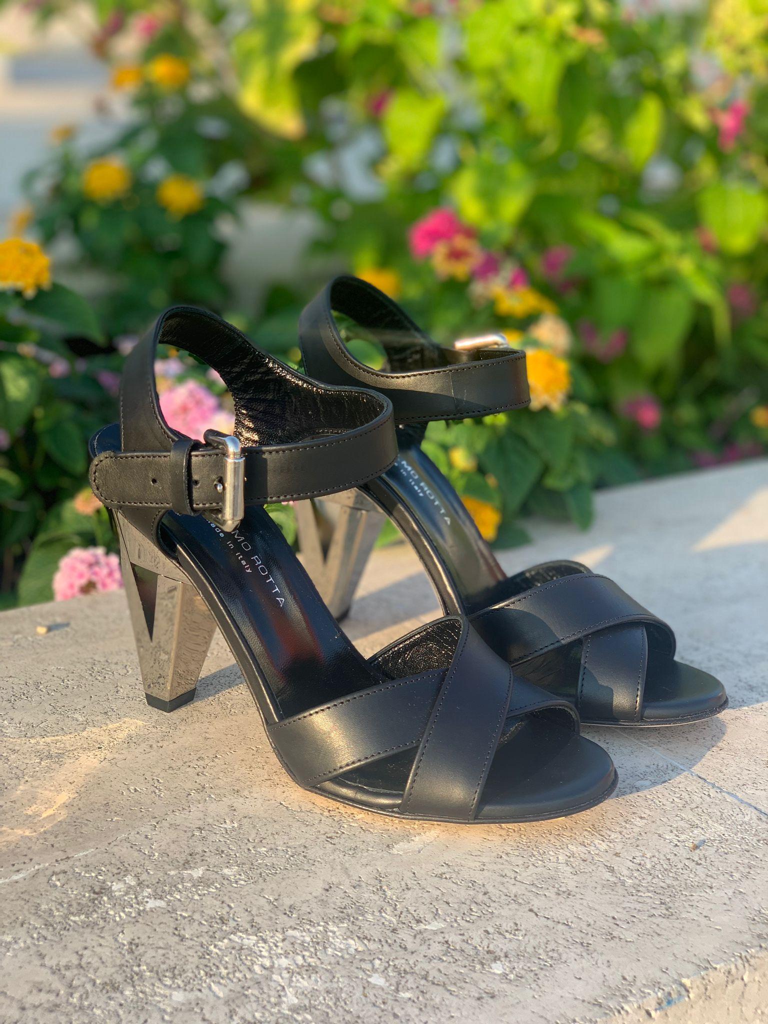 Sandalo nero con tacco argento Guglielmo Rotta