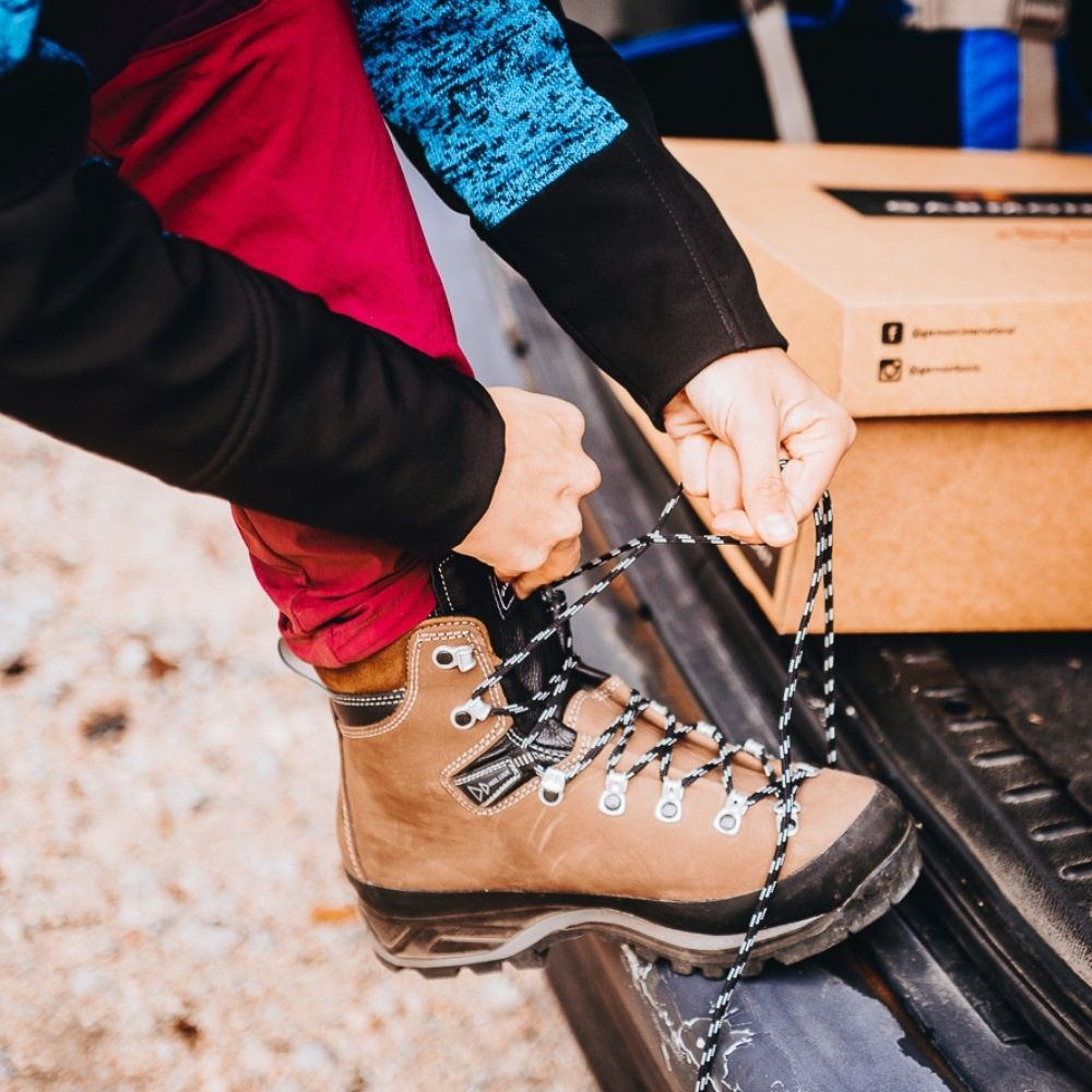 How to care for hiking boots: complete guide